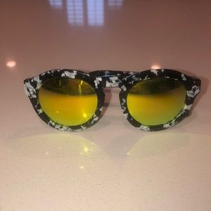 Diff sunglasses with yellow lense